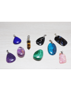 Pendentifs en pierres naturelles